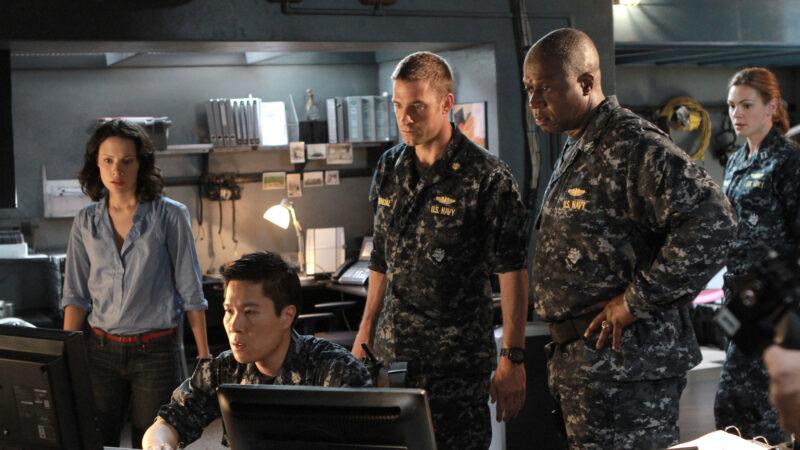 Estreia na televisão: o que acontece quando a ordem é para atacar com armas nucleares e o capitão escolhe não o fazer?